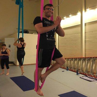 daniel wallen yoga